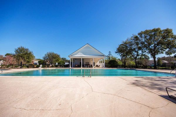 Deercreek Jax Community Pool